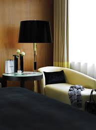 Floor Lights For Bedroom by Get Ready For Fall With These Iconic Modern Floor Lamps