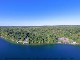 Cottages For Rent On Lake Simcoe by Waterfront Real Estate Properties The Stoutt U0027s