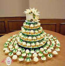 extraordinary christmas wedding cake and cupcake tower for cupcake