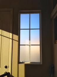 Cheap Window Shades by Cheap And Easy Temporary Privacy Window Covering Using Glad