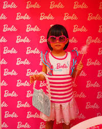 Barbie Photo Booth A Post Finally On Girls And Dolls Part 2 Motherkao