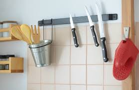 How To Organise A Small Kitchen - how to organize your small kitchen on a budget