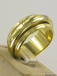piaget ring possession classic ring 18k yellow gold piaget juwelier burger