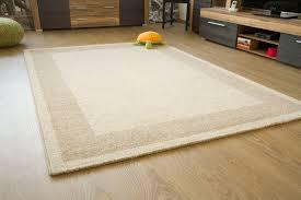 tappeti moderni bianchi e neri gallery of tappeti moderni soggiorno ikea divani colorati moderni