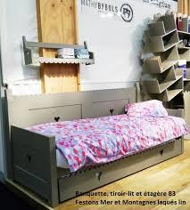 chambre enfant bois massif banquette lit en bois massif mer et montagnes pour une chambre d
