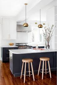 Painted Shaker Kitchen Cabinets Best 25 Two Tone Kitchen Ideas On Pinterest Two Tone Kitchen