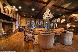 Chandelier Room Las Vegas Michael Jackson U0027s Las Vegas Mega Mansion Hits The Market For 9 5m