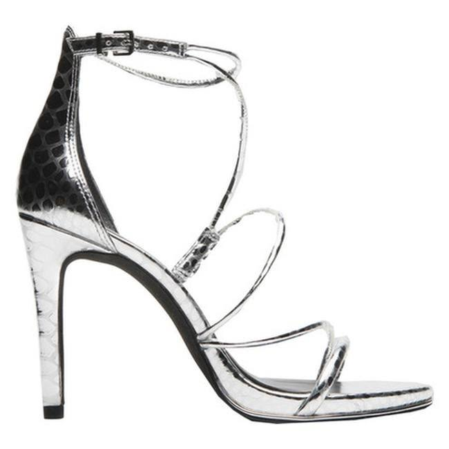 Kenneth Cole New York bryanna Open Toe Casual Ankle, Silver,