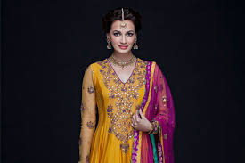 Draping Designs 18 Traditional Saree Draping Styles From Different Parts Of India