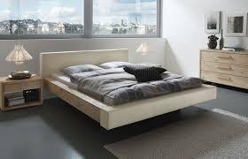 Schlafzimmer Hochglanz Beige Funvit Com Graue Schräge Mit Bett
