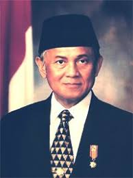 biografi b j habibie bahasa inggris biographies of legends biography complete bj habibie mr