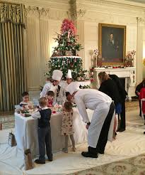 Images Of Christmas Decorated Houses Get A Sneak Peak Of The White House U0027s 2016 Christmas Decorations