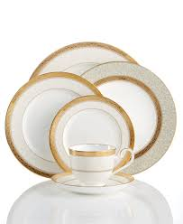 How To Set A Casual Table by Fine China Dinnerware Sets And Fine China Macy U0027s