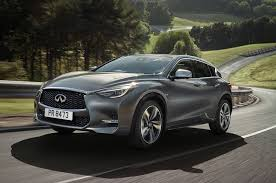2017 infiniti q30 first look review