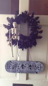 Pinterest Halloween Wreaths by 9 Best Zombie Wreaths Images On Pinterest Halloween Wreaths