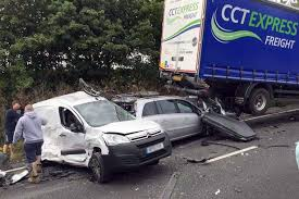 harrowing dashcam footage shows lorry driver using mobile phone