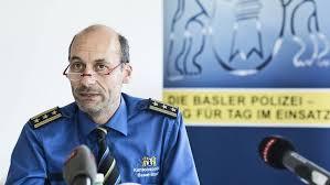 quereinsteiger jobs schweiz keine polizeischule nie auf streife der neue basler kommandant