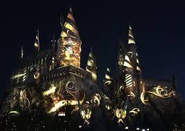 harry potter world nighttime lights at hogwarts castle images