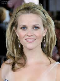 reese witherspoon wearing her hair with height volume and a hair band