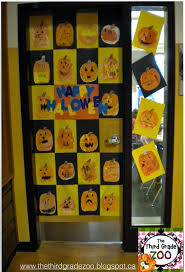 the third grade zoo halloween door decorating contest