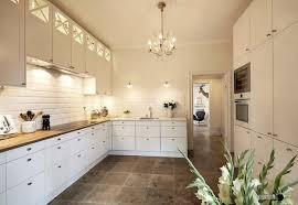 cuisine avec carrelage metro carrelage métro blanc dans la cuisine et la salle de bains