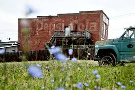 Walt S Auto Upholstery Memphis Tn Area Ghost Signs Tell Stories Of The Past By Lisa O U0027donnell