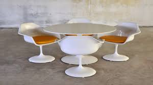 saarinen style 47 large size white tulip table 4 tulip chairs grey