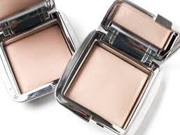hourglass ambient lighting powder review hourglass ambient strobe lighting powder review