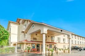 Hotels Next To Six Flags Over Texas Super 8 San Antonio Fiesta San Antonio Hotels Tx 78249 1759