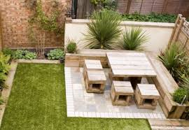 Design Garden Furniture London by Best 25 Small Garden Table Ideas On Pinterest Tiny Garden Ideas