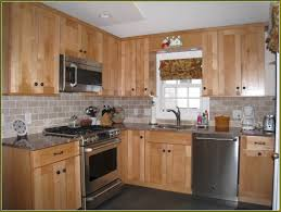 Best 25 Maple Cabinets Ideas Backsplash With Maple Cabinets Small Square Backsplash Tiles With