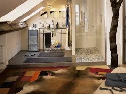 salle de bain dans chambre sous comble univers déco salle de bain sous comble