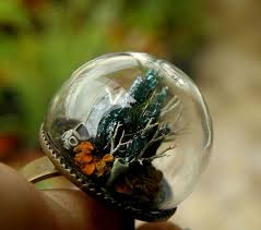 25 magical glass globe rings with miniature worlds inside