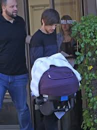 louis tomlinson full biography 30 of the most adorable photos of louis tomlinson s baby boy
