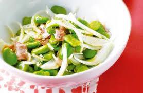 cuisiner des f钁es fraiches salade de fèves fraiches à la pancetta recettes de cuisine italienne
