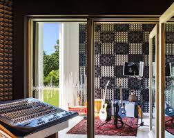 record remix and relax at w sound suite in bali ifdm