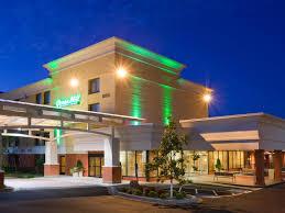 hotels near light rail minneapolis holiday inn blmgtn arpt south mall area hotel by ihg