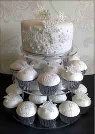Winter Wedding Cakes 11 Beautiful Winter Wedding Cakes For Your Winter Wonderland Wedding