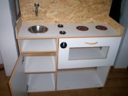 fabriquer une cuisine pour fille comment fabriquer une cuisine pour les enfants le de bois