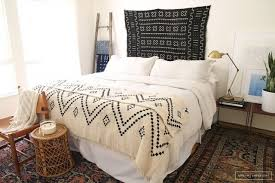 chambre exotique décoration ethnique noir et blanc