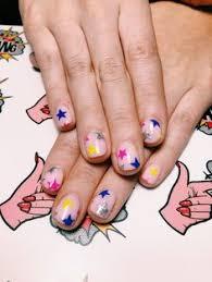 imagenes bonitas que brillen 20 manicuras estelares que harán que tus manos brillen por bonitas