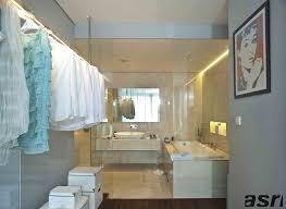 desain kamar mandi transparan 10 inspirasi desain kamar mandi yang menarik majalah griya asri