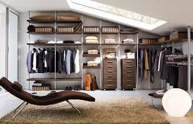 stanza guardaroba cabina armadio con montanti arredamenti negozio pordenone