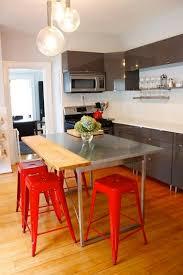 table cuisine grise une cuisine et grise c est chaleureux