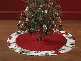 sings tree skirt