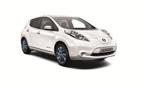 nissan leaf uk review nissan leaf acenta prices and full details carwow