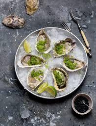 cuisiner les huitres recette d huîtres fraîches et granité épicé de concombre et citron