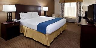 Rooms To Go Outlet Tx by Grove City Pa Hotel Holiday Inn Express Grove City Outlet Center