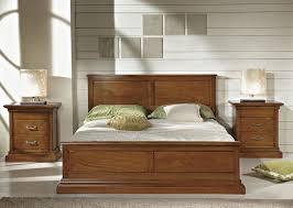 letto a legno massello letto in legno massello le migliori idee di design per la casa