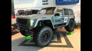 axial scx10 ii rtr vs kit rc scale crawler 2000 jeep cherokee